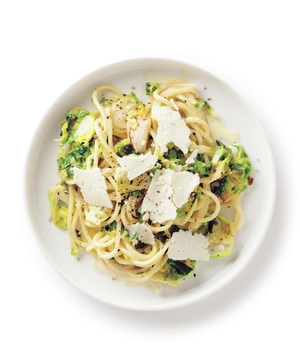 Creamy Brussels Sprouts Spaghetti