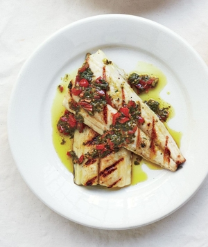 Small Fillet With Tomato and Pesto Sauce