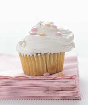 Cupcakes with Vanilla Ice Cream Frosting