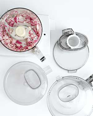 Food processor with various lids