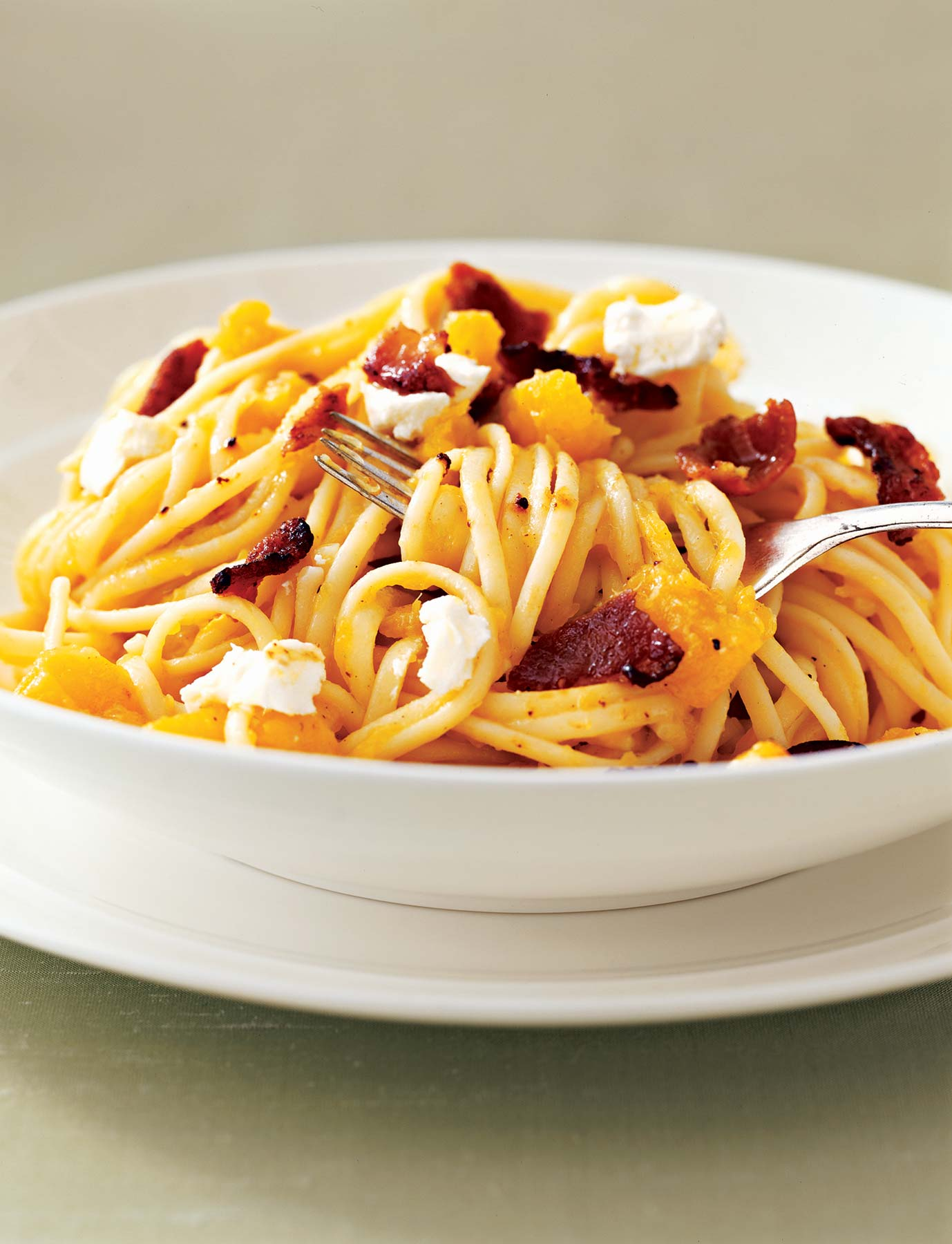 Linguine With Squash, Bacon, and Goat Cheese