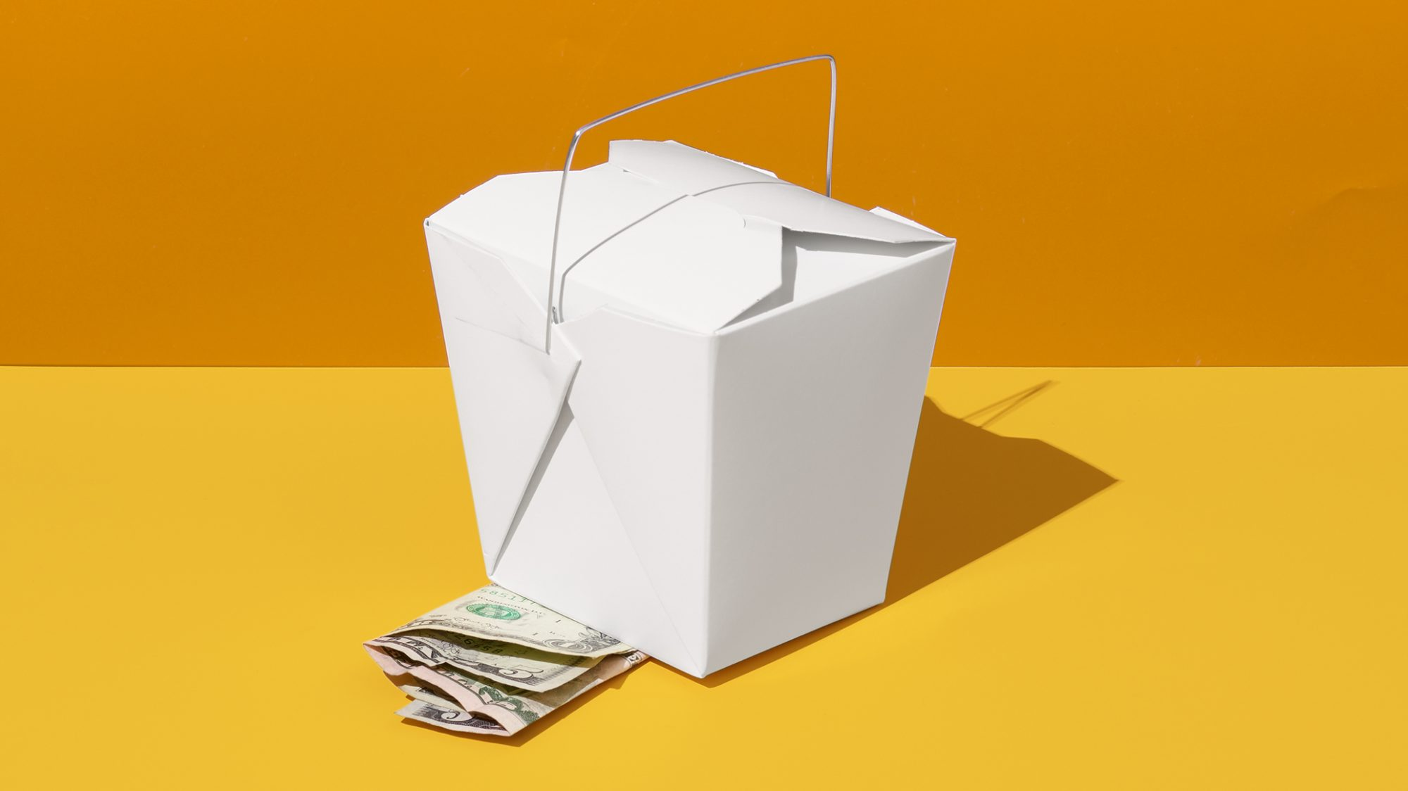 guide to tipping waiters, hairstylists, and more