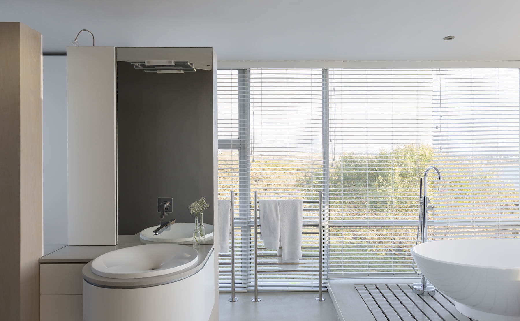 Types of Window Blinds and Shades, bathroom with blinds