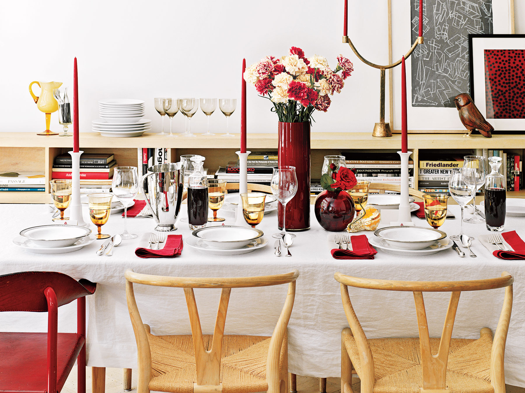 Red white and gold dinner table