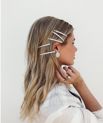 Amber Fillerup Barrette Hairstyle for School
