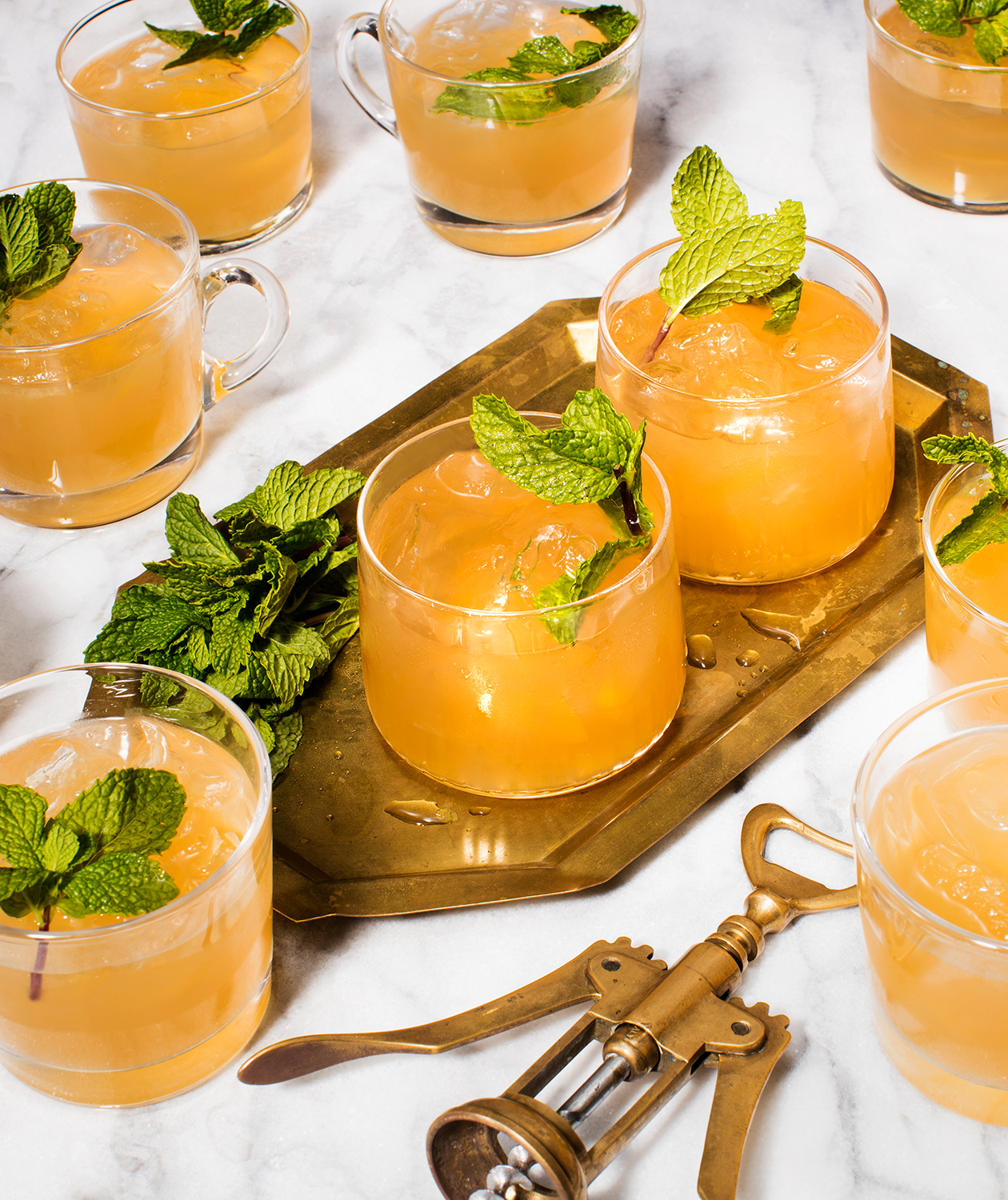 big batch cocktails tout - Minty Moscow Mule Punch