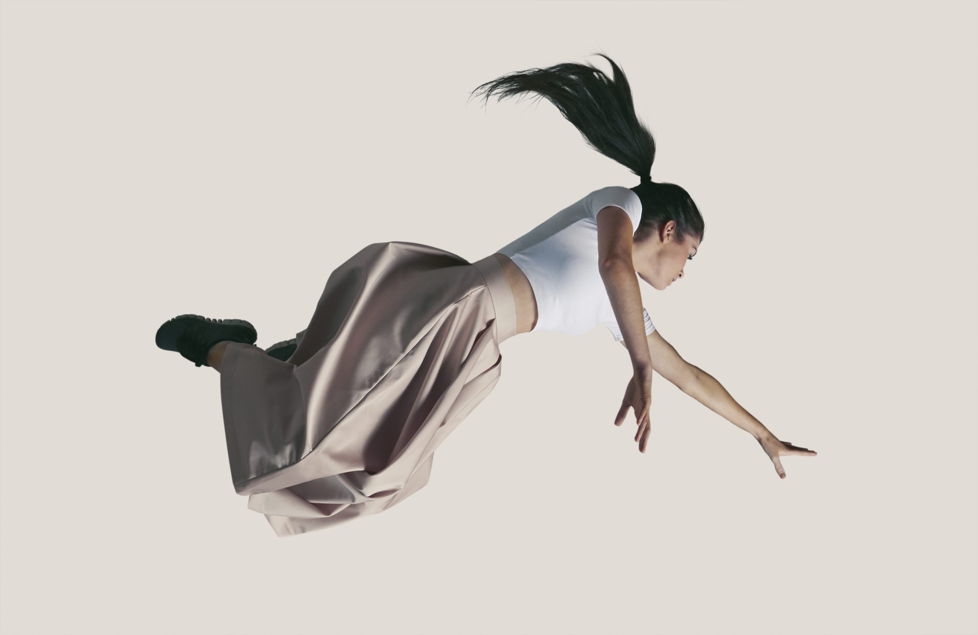 woman in free fall: dealing-with-uncertainty