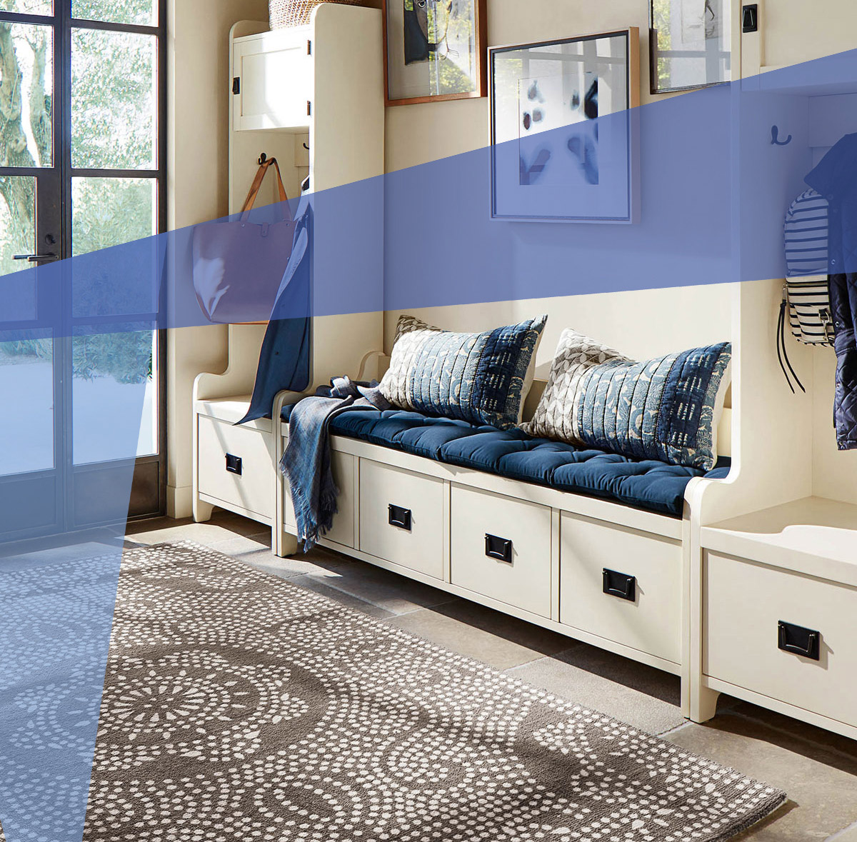 Entryway ideas - blue pillows and built-ins tout