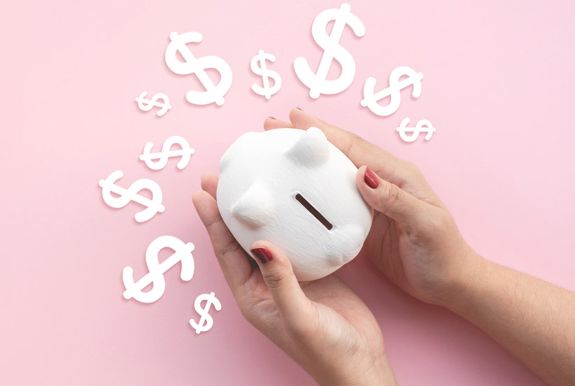 Is It Safe to Spend Money Right Now? Experts Weigh In