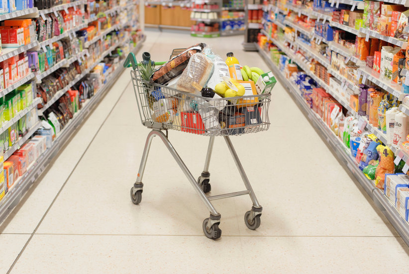 Is It Safe to Go to the Grocery Store? Here's How to Shop Safely During the Coronavirus Outbreak