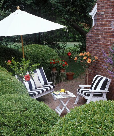5 Tricks for Decorating a Small Patio