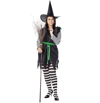 fd6a513ce24 How to Make an Easy DIY Witch Costume | Real Simple