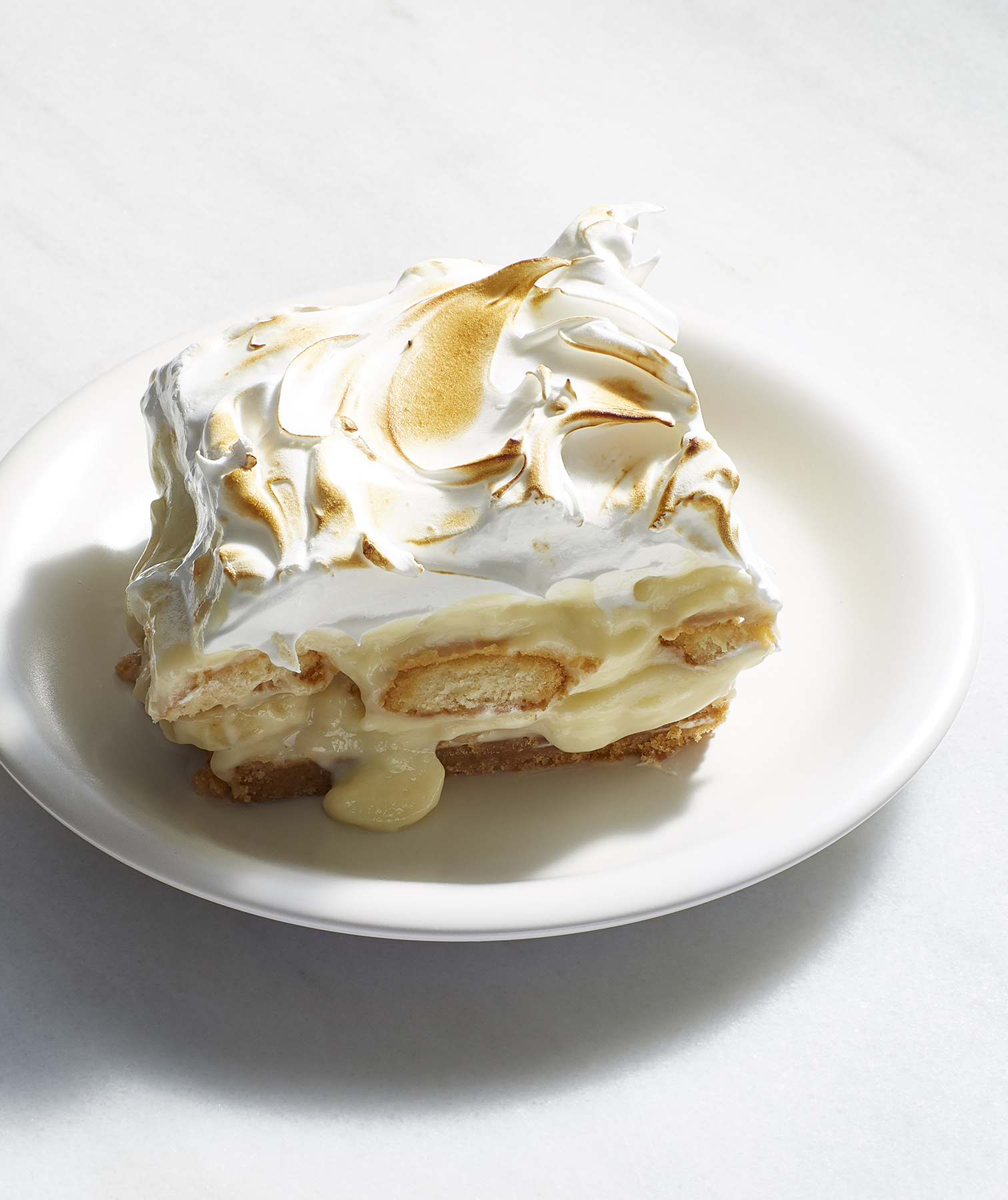 Banana Pudding Pie Bars With Meringue Topping