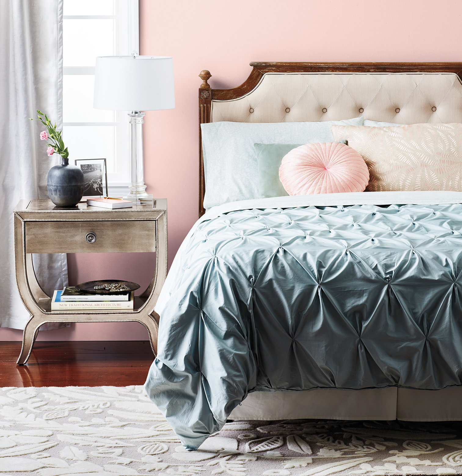 Bedroom with romantic elements. pinks, blues