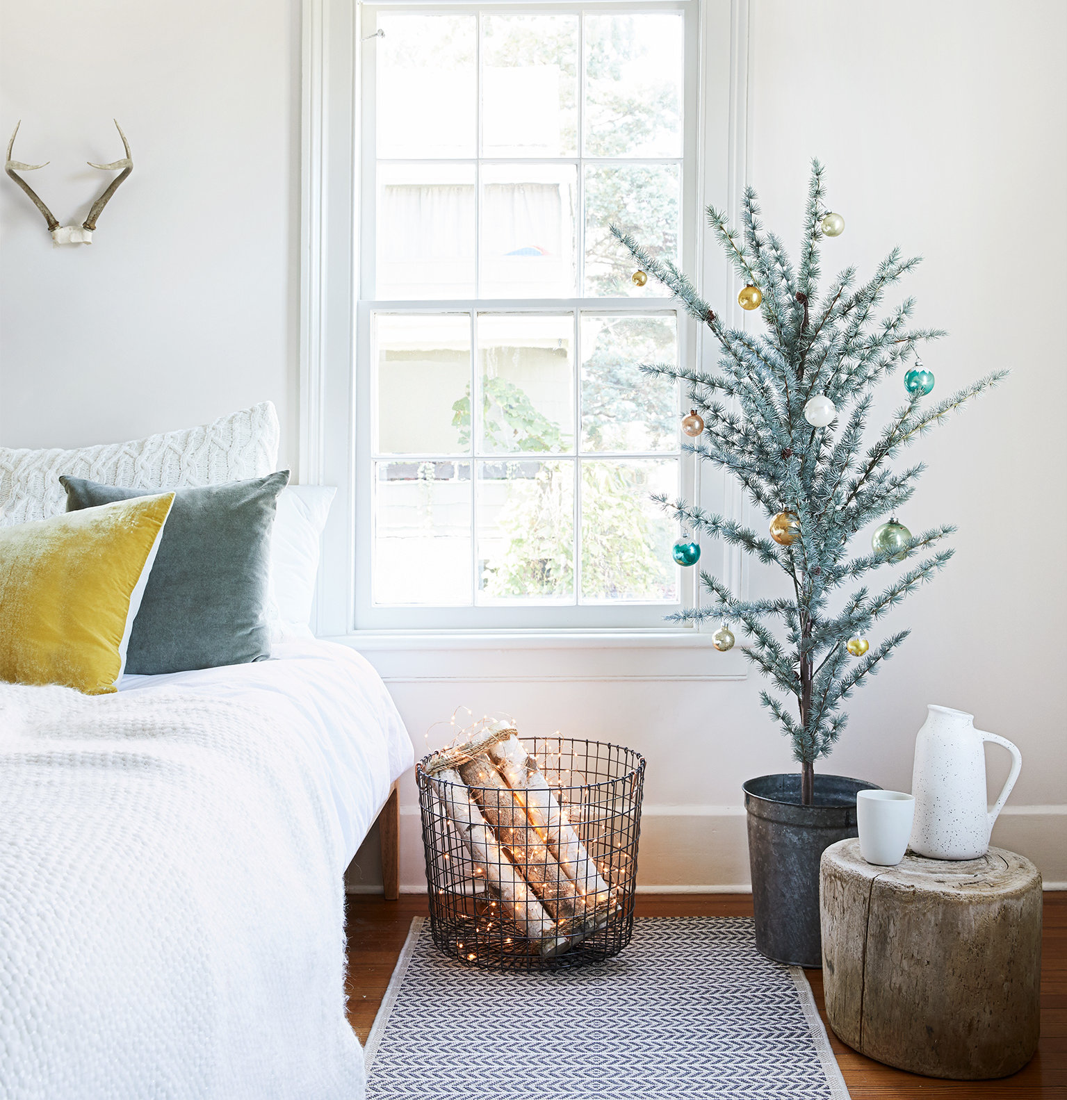 Christmas decoration ideas, Faux Hearth and mini Christmas tree