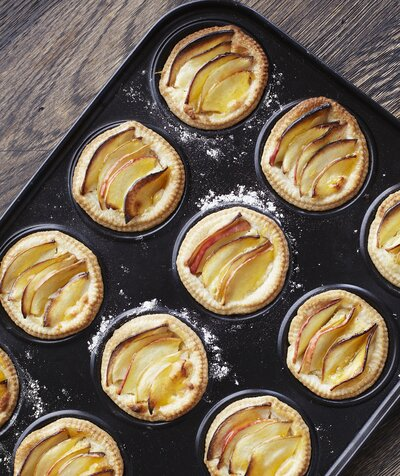Here's Why Things Bake Faster in a Darker Pan | Real Simple