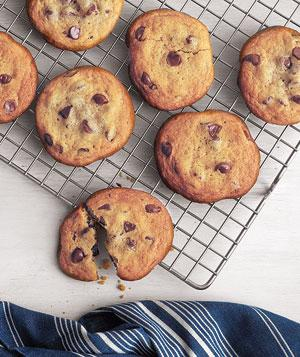 Things to Do on a Rainy Day: Bake Chocolate Chip Cookies
