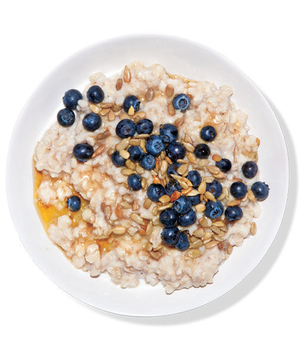 Oatmeal With Blueberries, Sunflower Seeds, and Agave