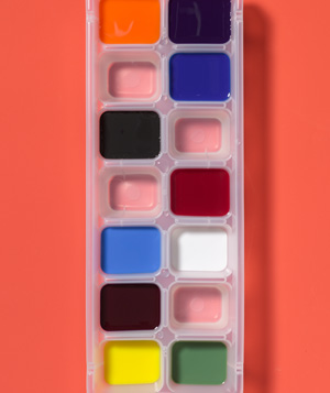 Ice Cube Tray as Paint Palette