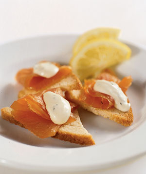Smoked Salmon With Creme Fraiche Sauce on Shallot Toasts