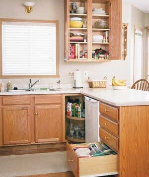 Reorganizing Kitchen Cabinets and Drawers