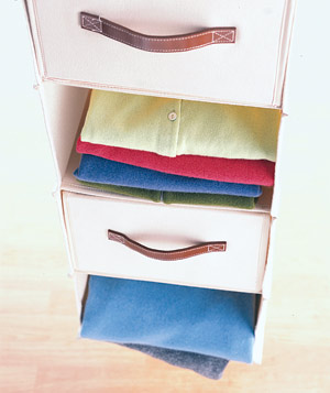 Hanging rack with canvas drawers
