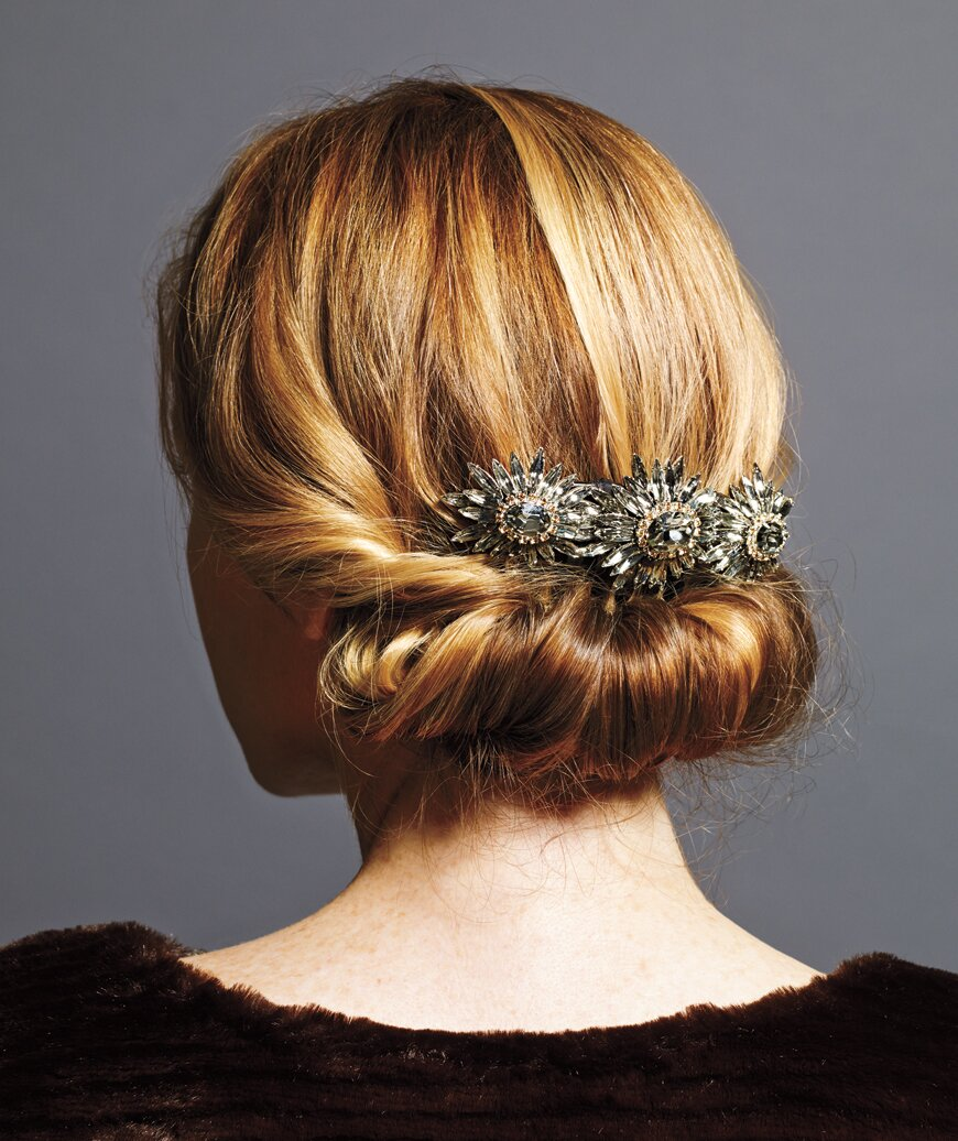 6 Holiday Hairstyles That Are Downright Stunning And