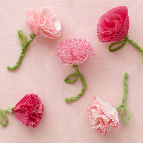 Valentine's Day crafts: How to Make Blooming Cupcake Liners