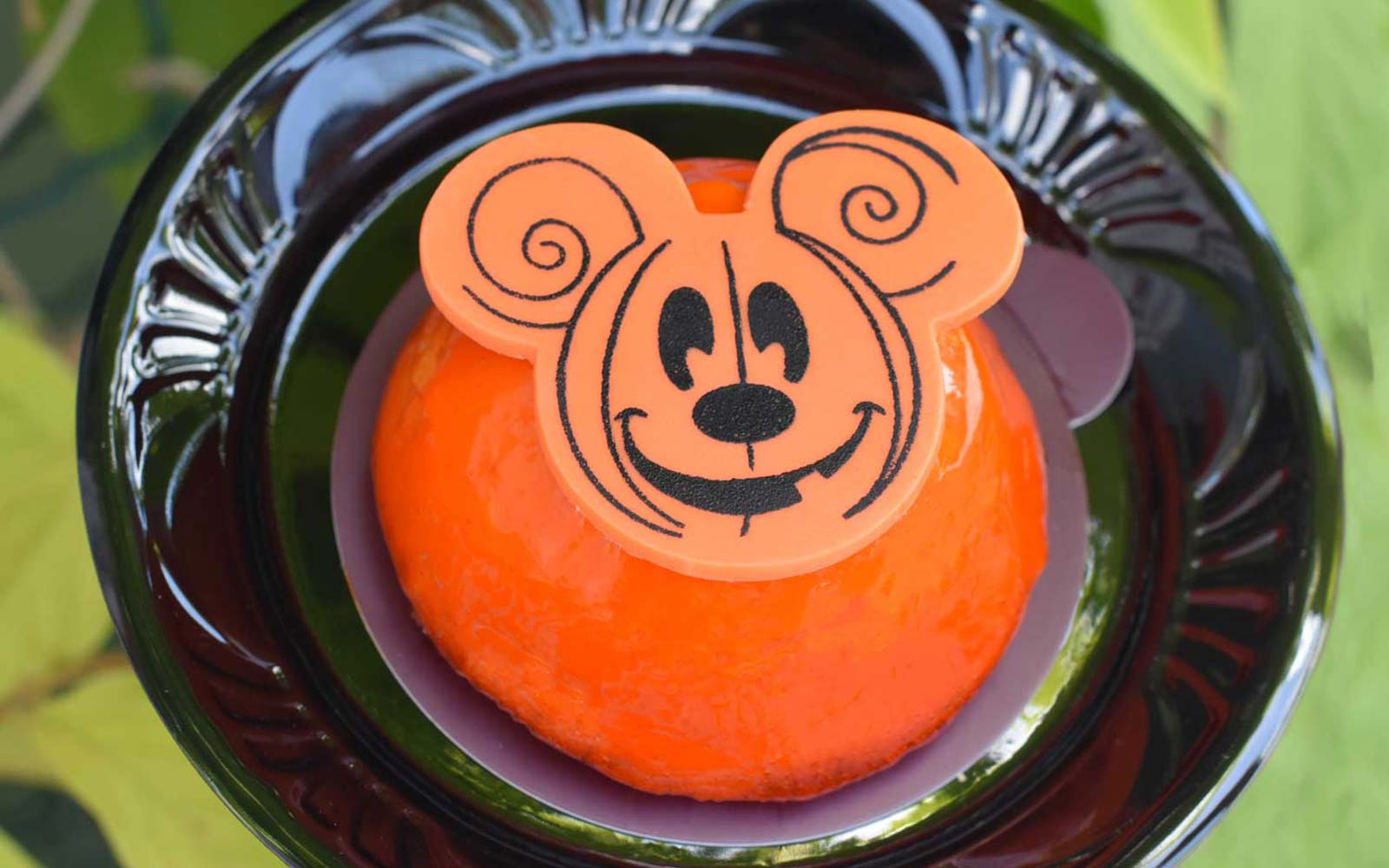 Disney World Magic Kingdom Florida Halloween Fall dining special Mickey cheesecake