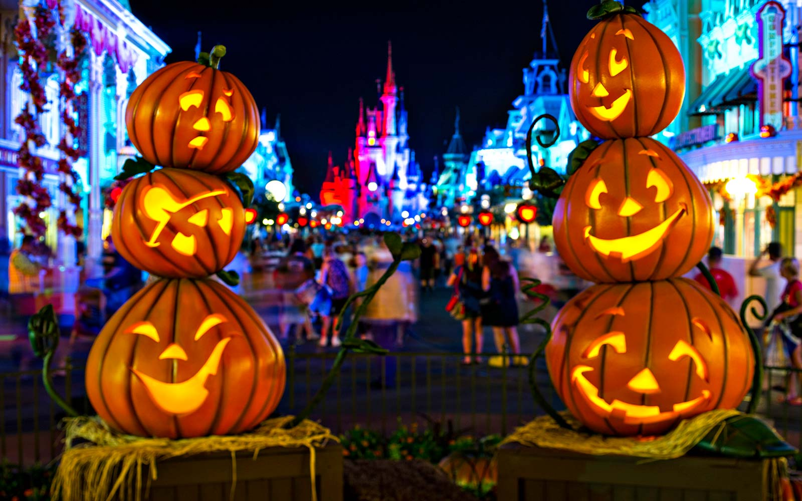 Mickey's Not-So-Scary Halloween Party Disney World Magic Kingdom Florida Halloween Fall dining