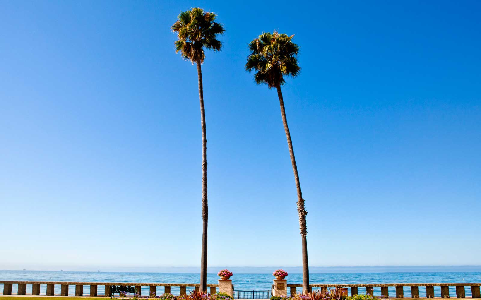 Guide to Santa Barbara Beach