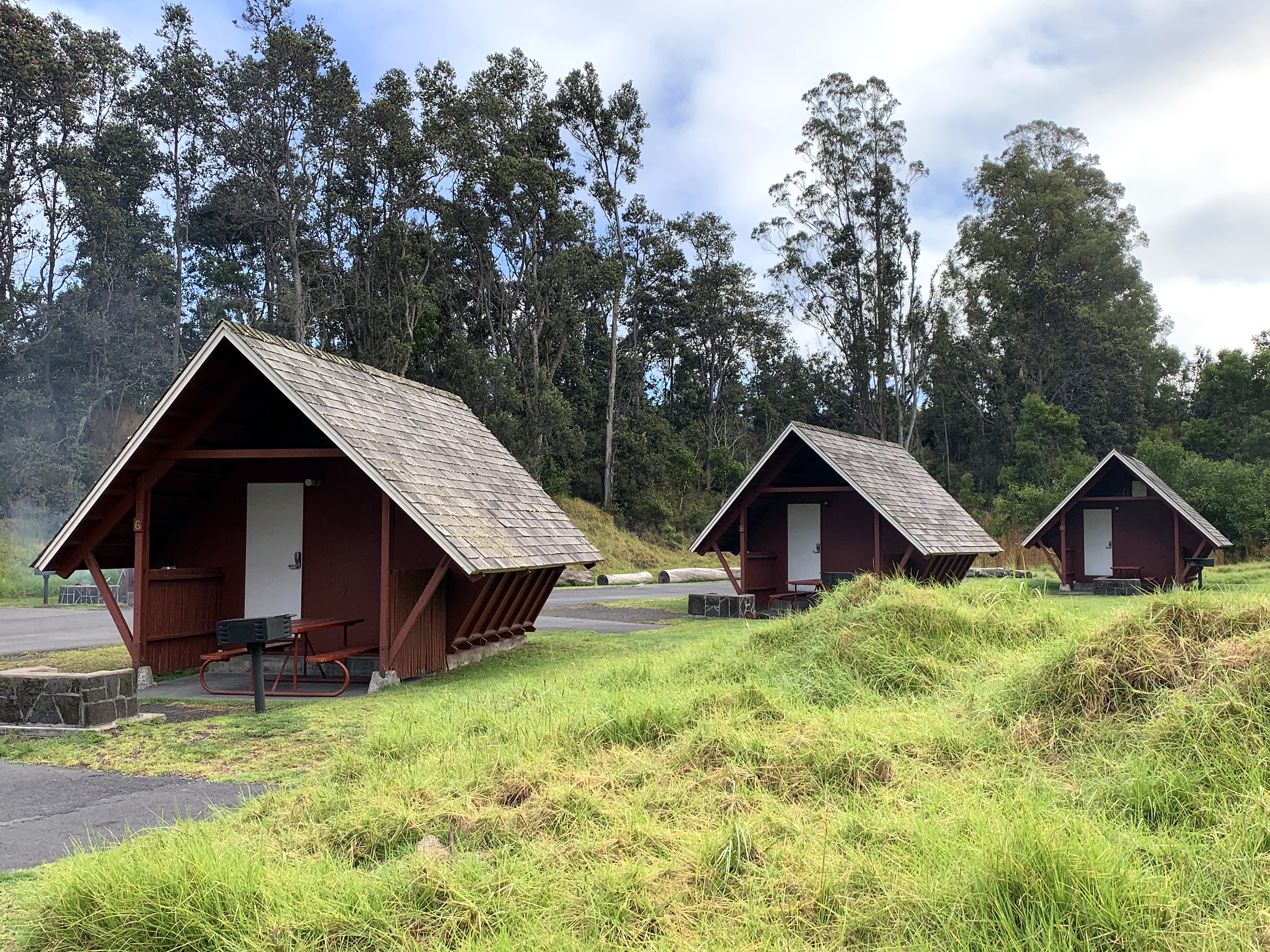 cabins at Volcano House