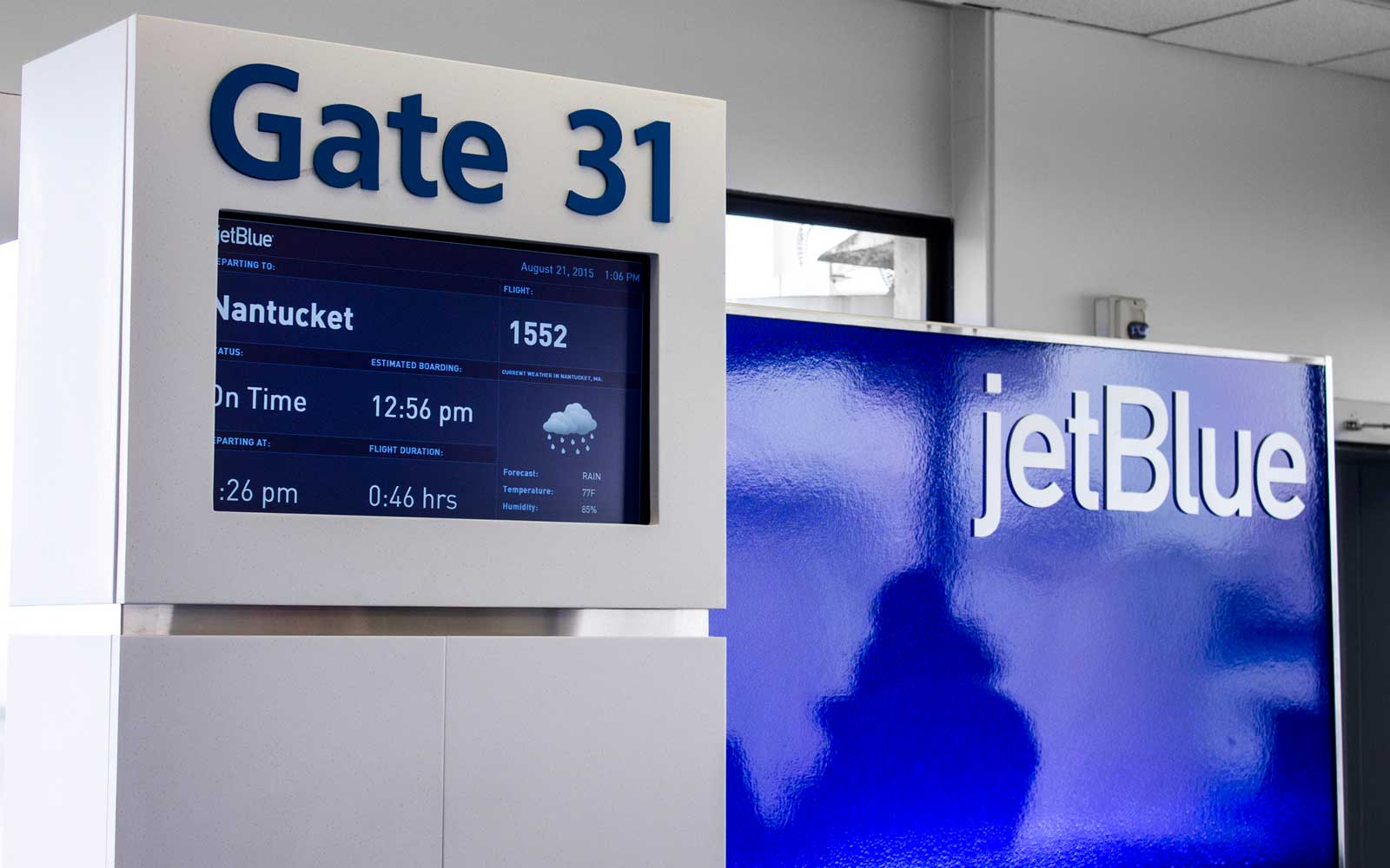 JetBlue gate at airport