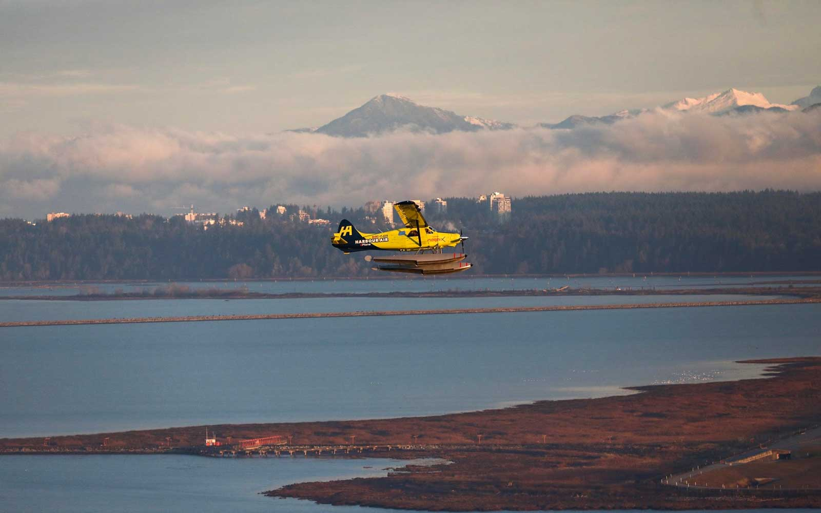 Harbour Air Electric Plane First Flight