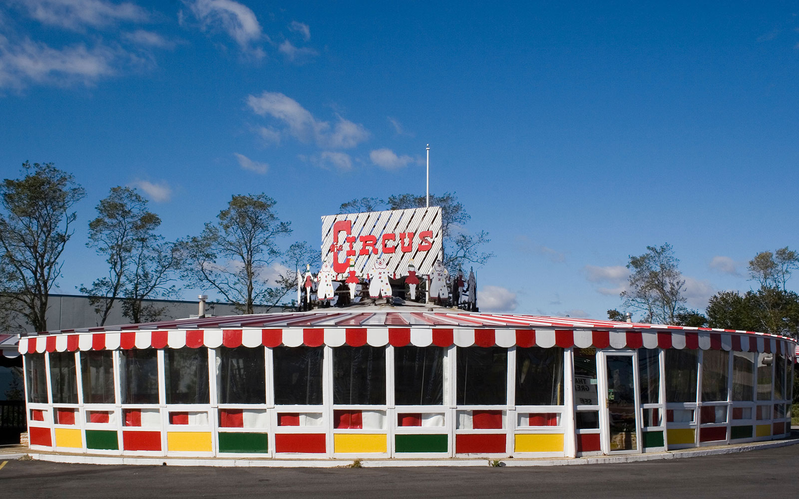 Circus Drive-In in Wall Township