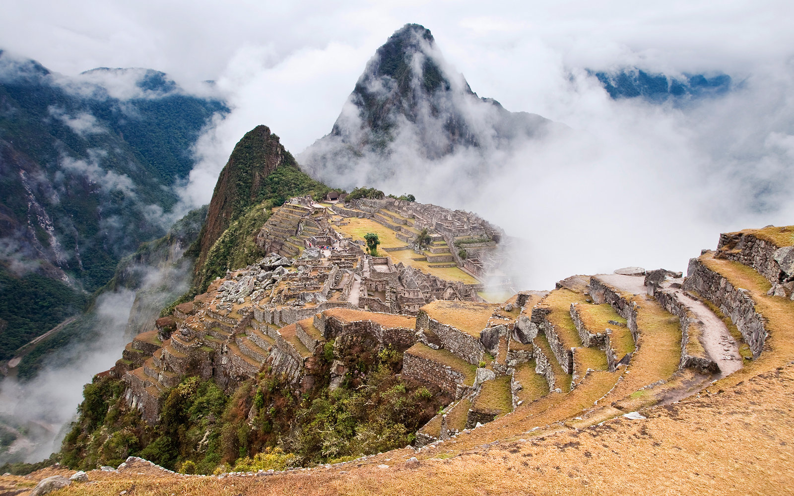 [UNVERIFIED CONTENT] Cloudy and rainy day at Machu Picchu, Peru