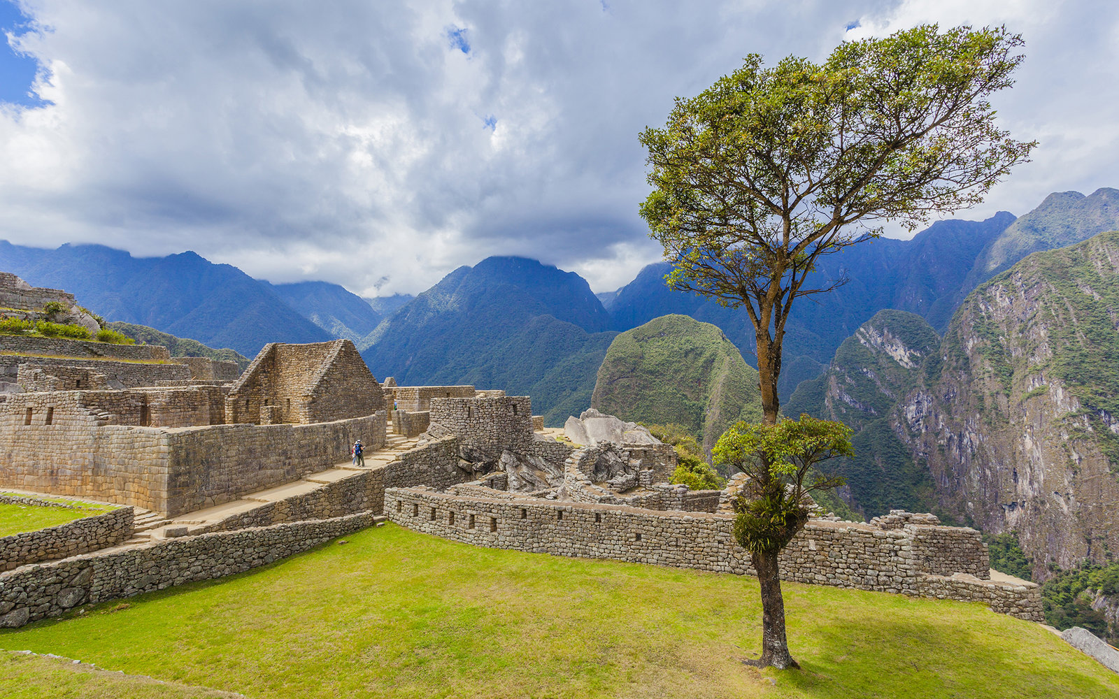 Peru, Machu Picchu, View at Machu Picchu. (Photo by: JTB/UIG via Getty Images) (Photo by: JTB Photo/UIG via Getty Images)