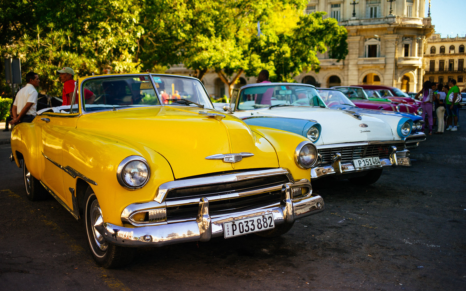 HAVANA, CUBA - DECEMBER 19: A general view of vintage cars in Central Park on December 19, 2014 in Havana, Cuba. (Photo by Ben Pruchnie/Getty Images)
