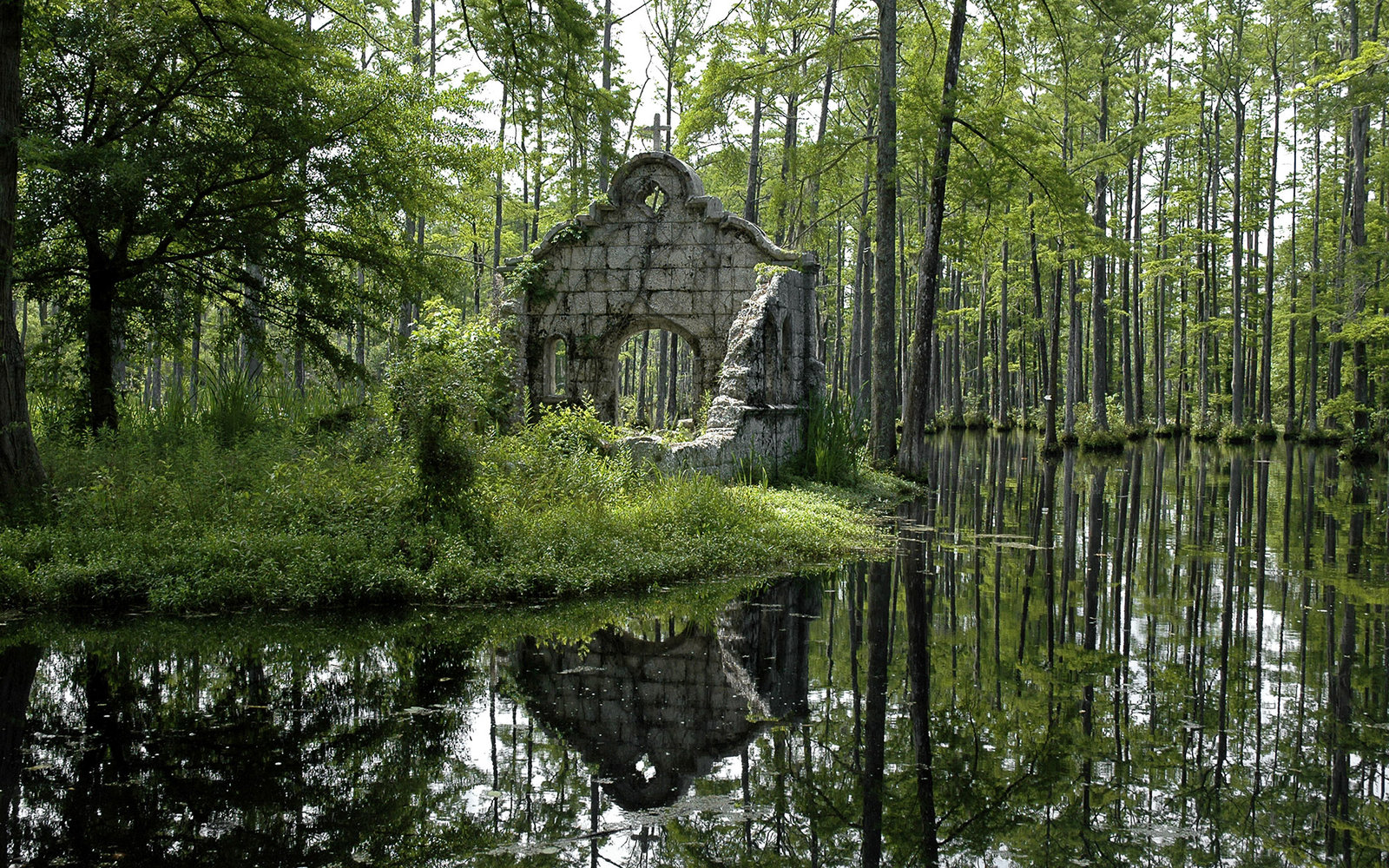 The Patriot's Old Spanish Mission in Cypress Gardens, South Carolina