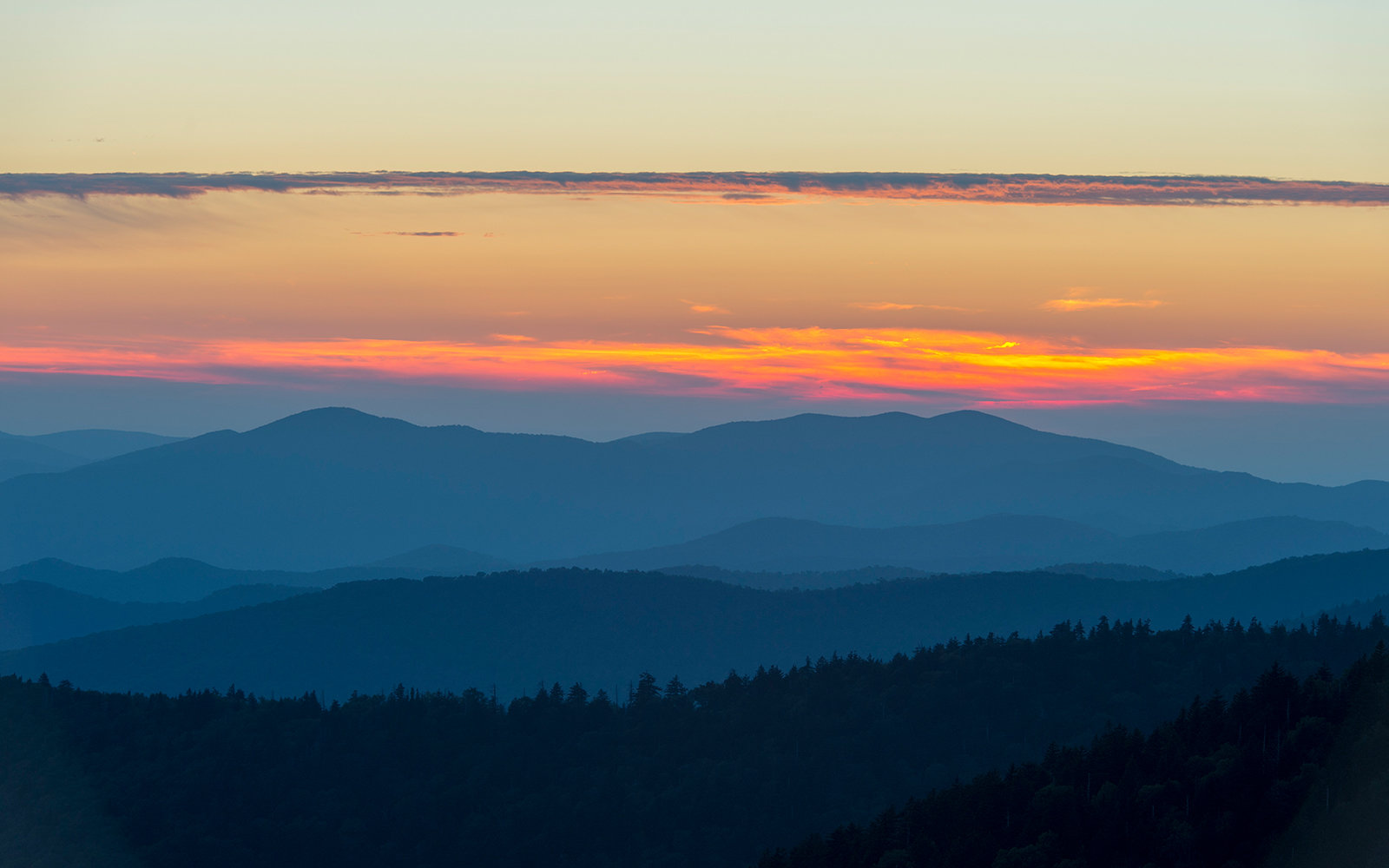 UNITED STATES - 2015/09/18: View of the Great Smoky Mountains National Park in North Carolina, USA at sunset from Clingman?s Dome parking lot. (Photo by Wolfgang Kaehler/LightRocket via Getty Images)