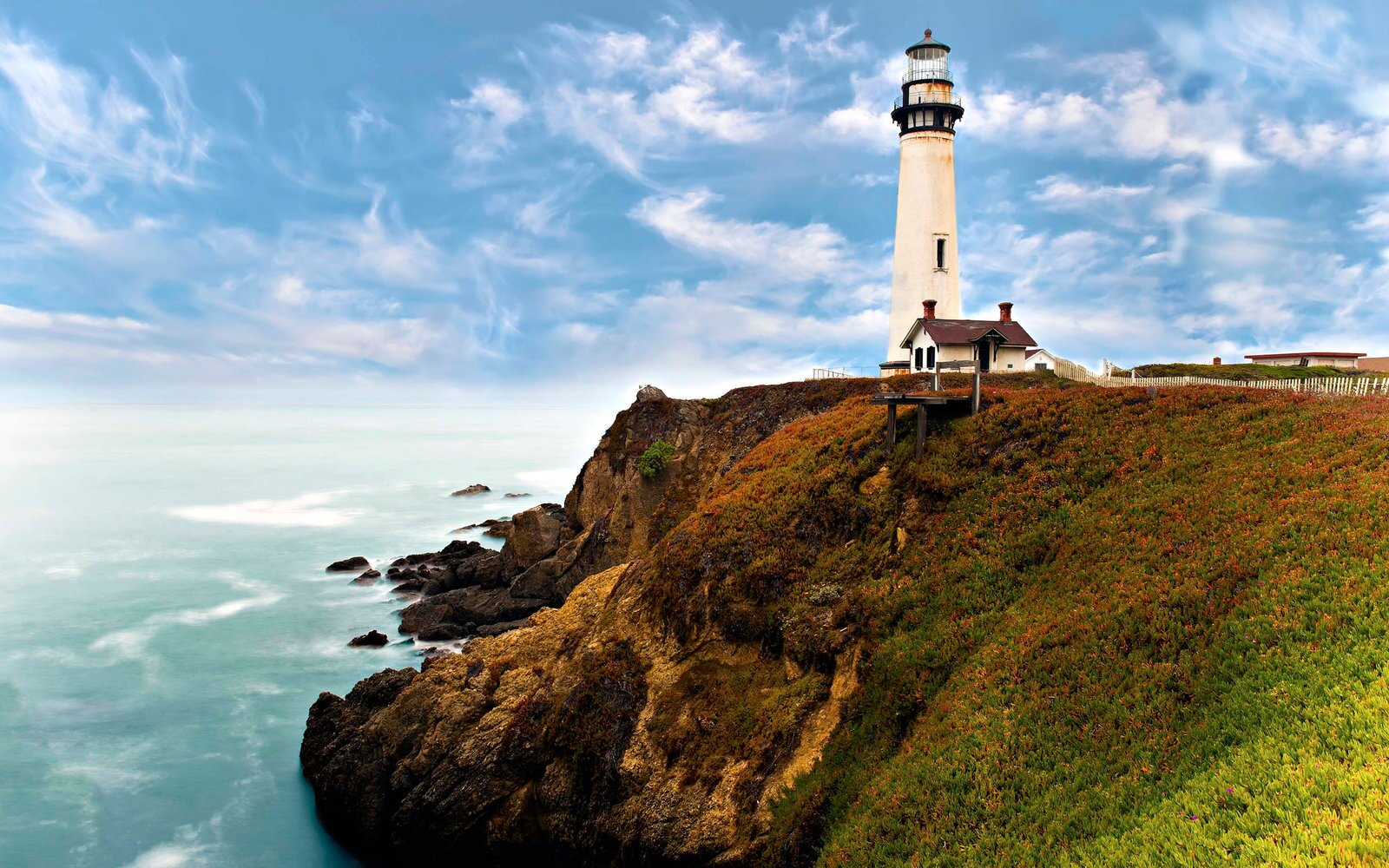 17 Incredible Lighthouses Around the World | Travel + Leisure