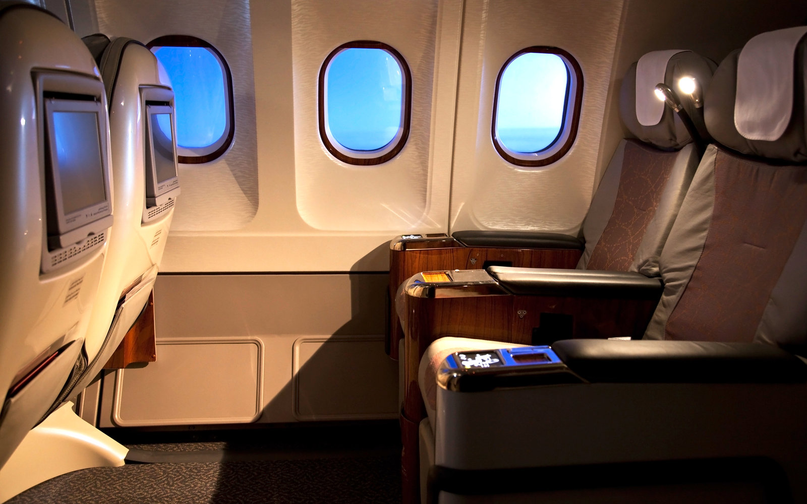 Flying in Business Class Now Cheaper