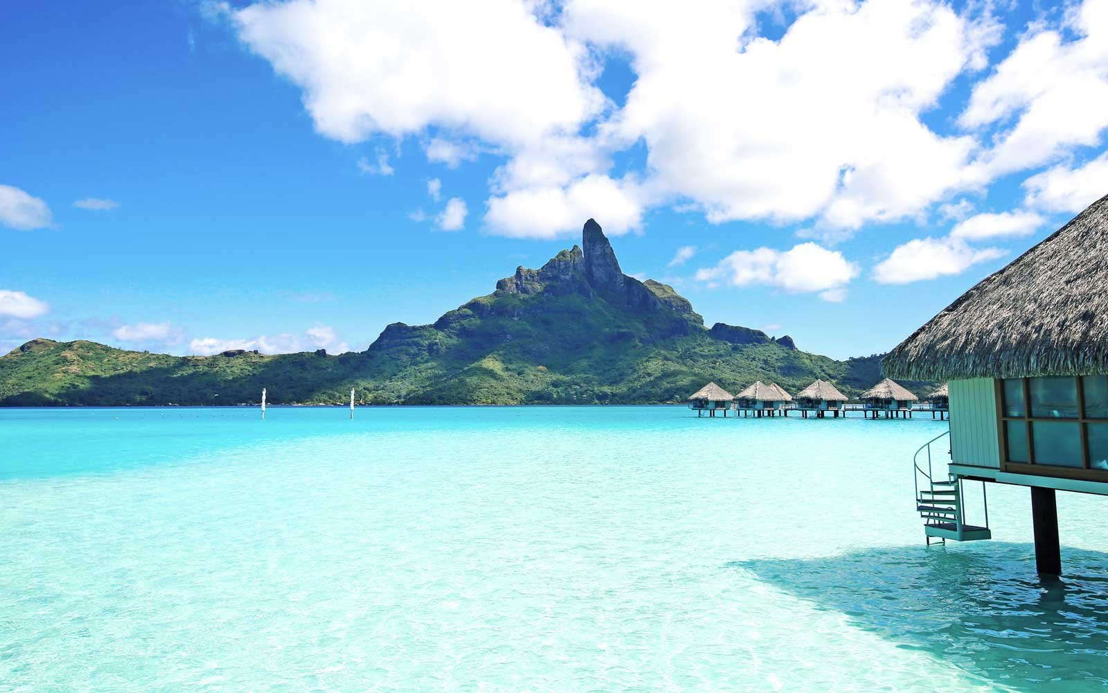 World's Best Islands for Beaches and Natural Attractions