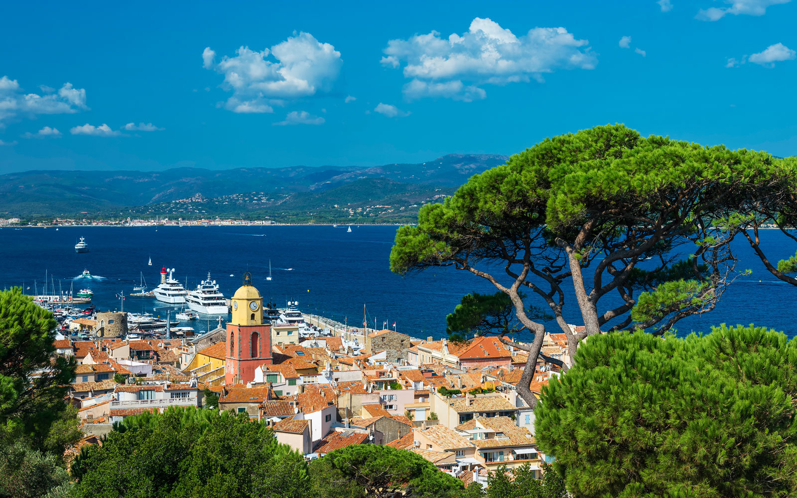 Foreign private jets can no longer land at St. Tropez's airport