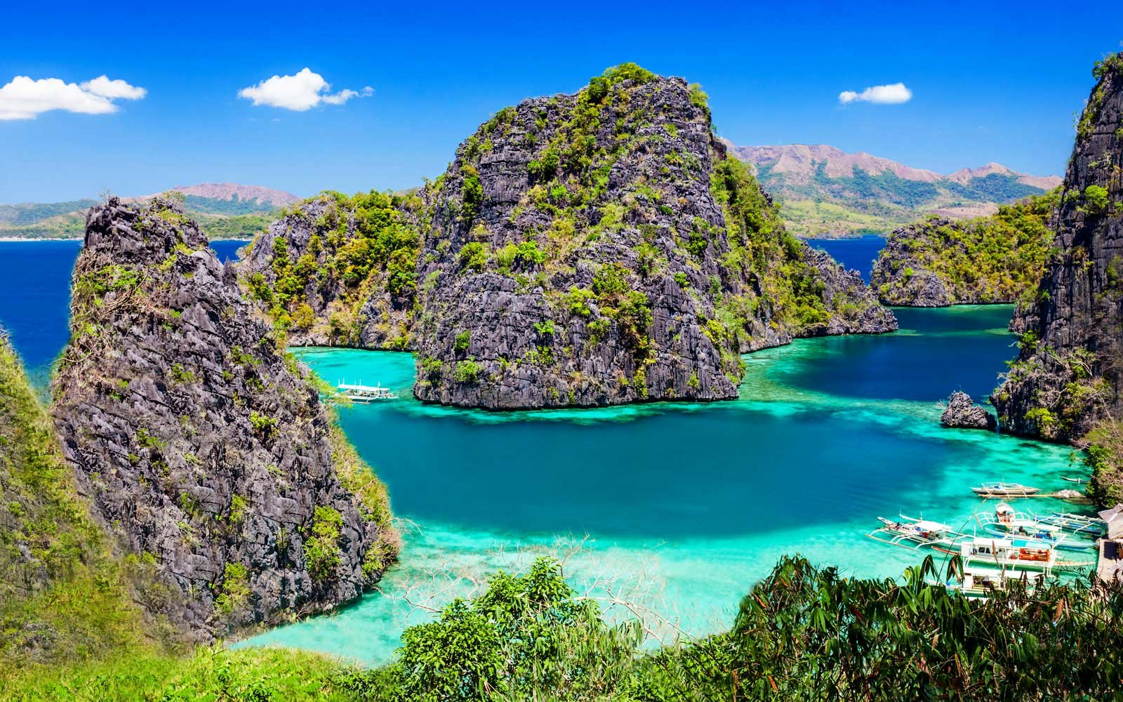 13 Places Where You Can See the Bluest Water in the World (Video)