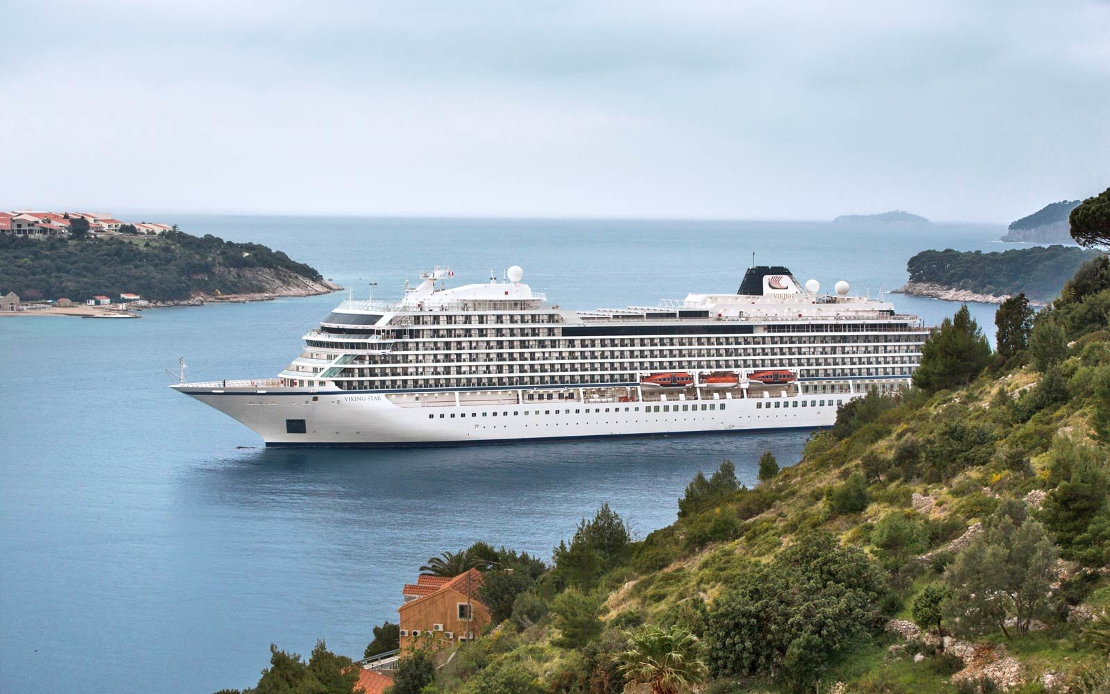 Five Things to Know About Viking Ocean Cruises' Star Cruise