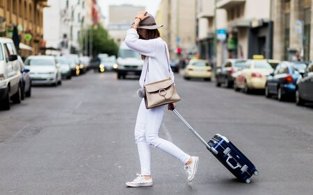 The Stylish Comfy Shoes That Celebrities Wear for Traveling  18c566e43d