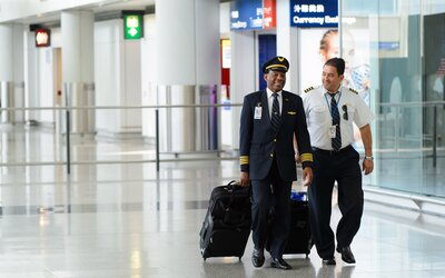 c13bd9bd7 How to Avoid Jet Lag, According to an Airline Pilot | Travel + Leisure
