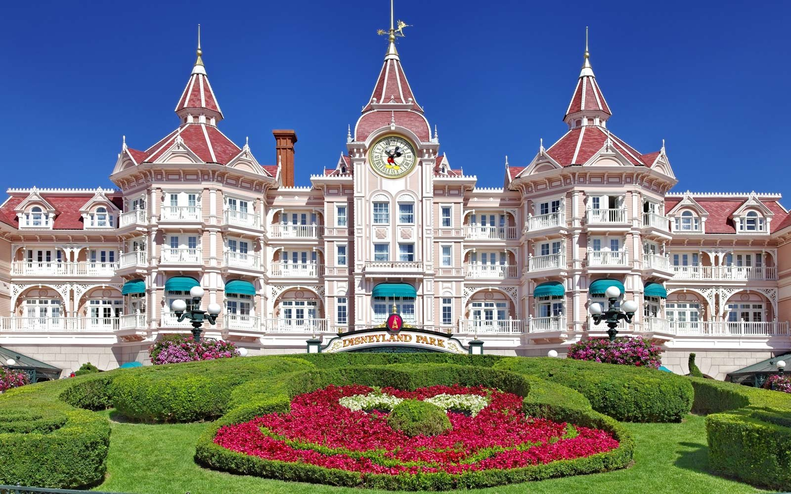 Disneyland Hotel, Disneyland Paris, France