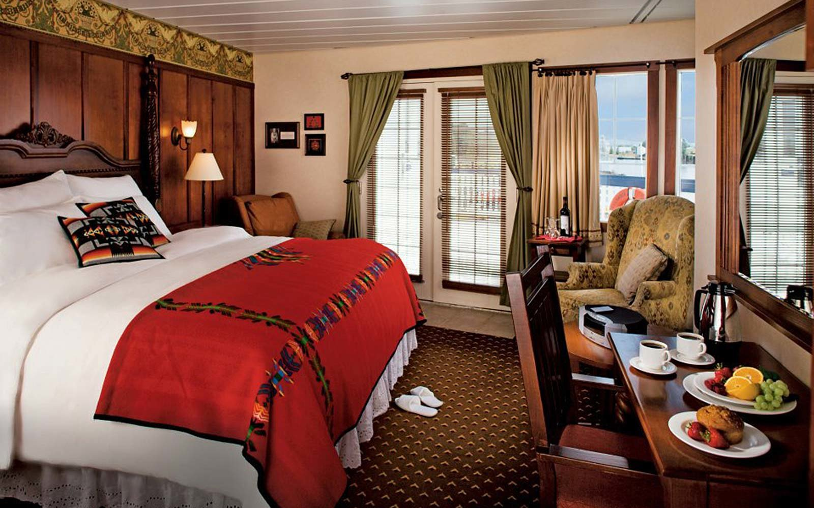 CRUISE: American Queen of the West
